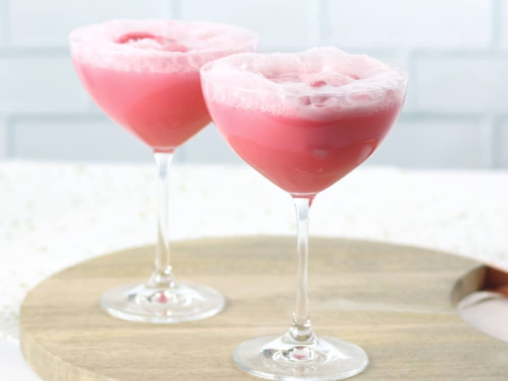 Raspberry champagne float