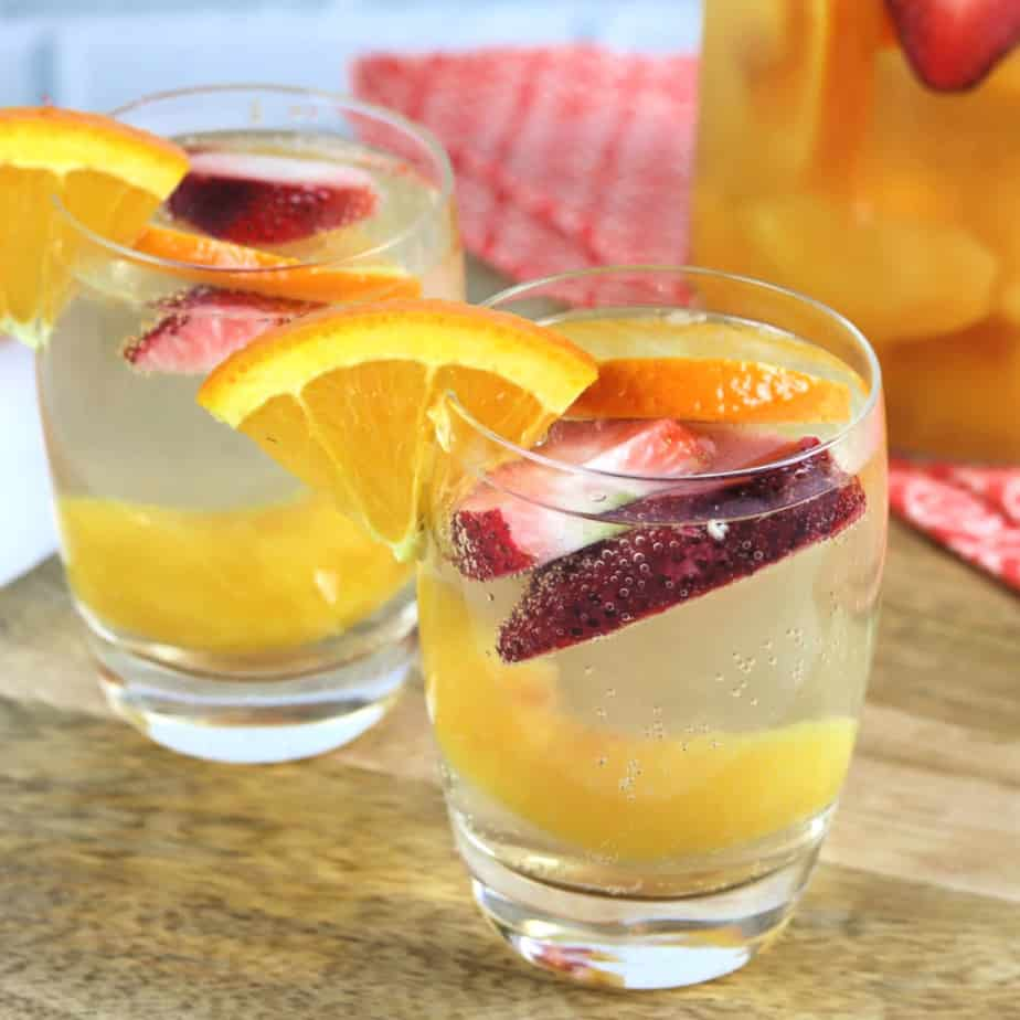 white wine peach sangria square
