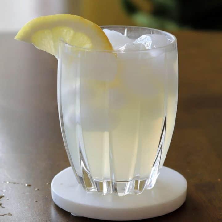 honey whiskey lemonade cocktail