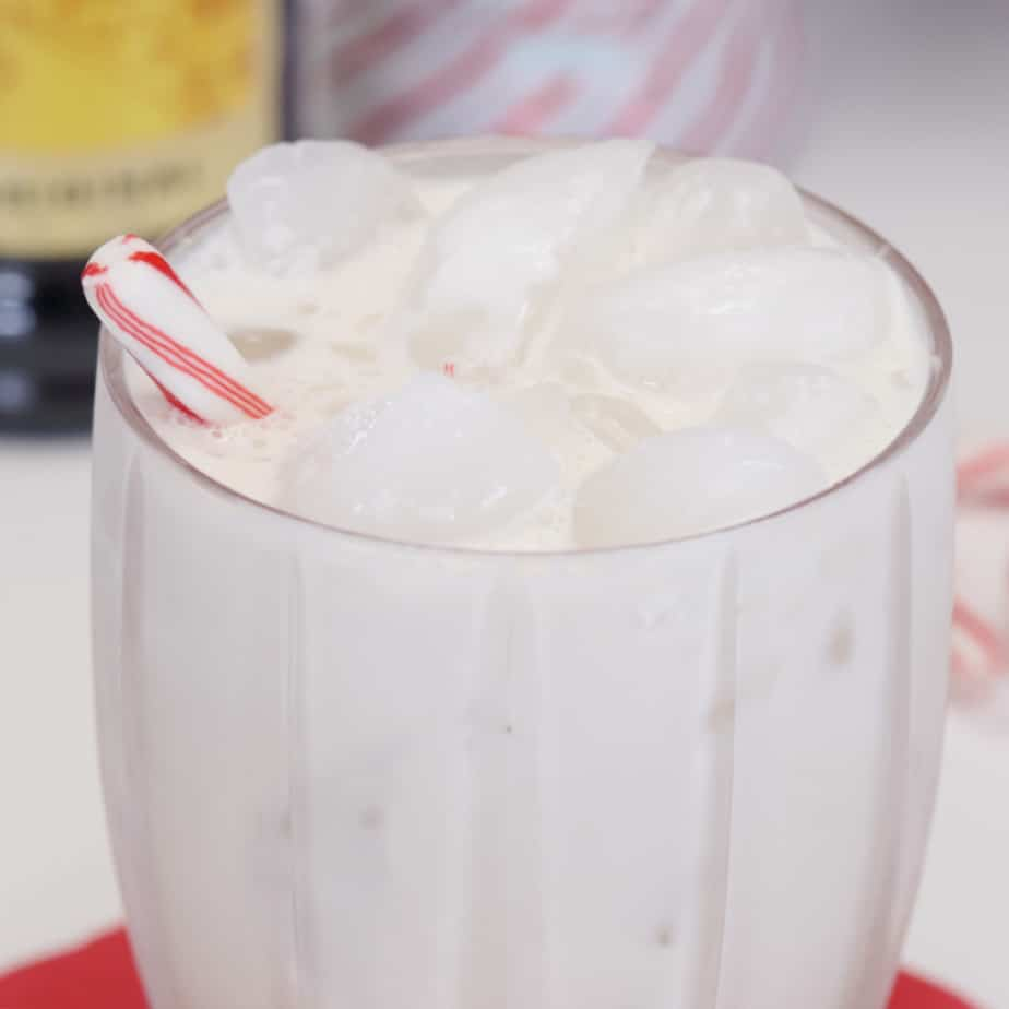 peppermint white russian holiday drink